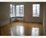 SUPER LARGE PREWAR 1BR/BA GREAT LIGHT RIGHT ON WASHINGTON PARK